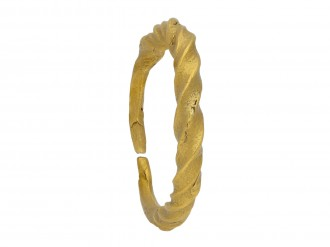 Viking gold penannular twisted ring ring berganza hatton garden