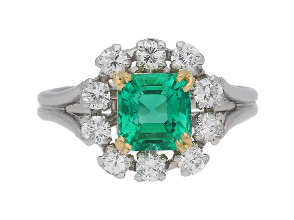 front view Vintage Colombian emerald and diamond cluster ring, French, circa 1950s.
