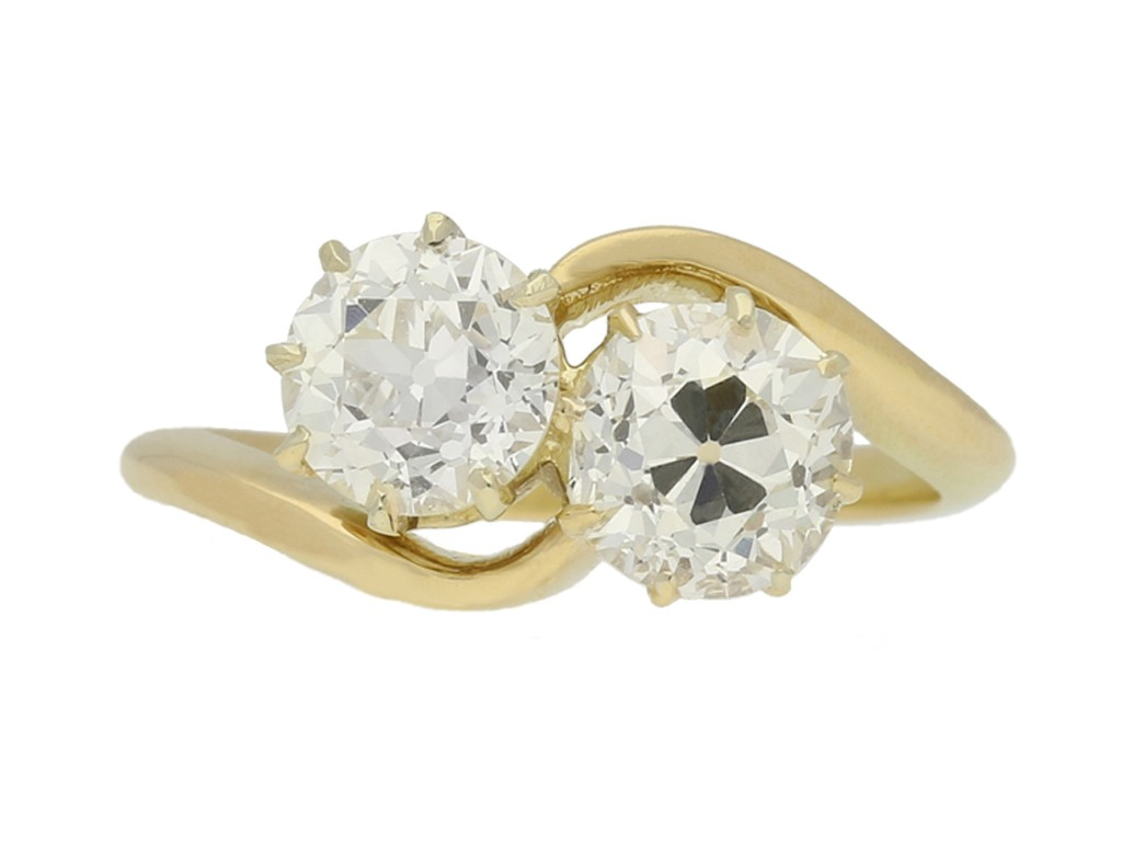 front view Crossover diamond engagement ring, circa 1915.