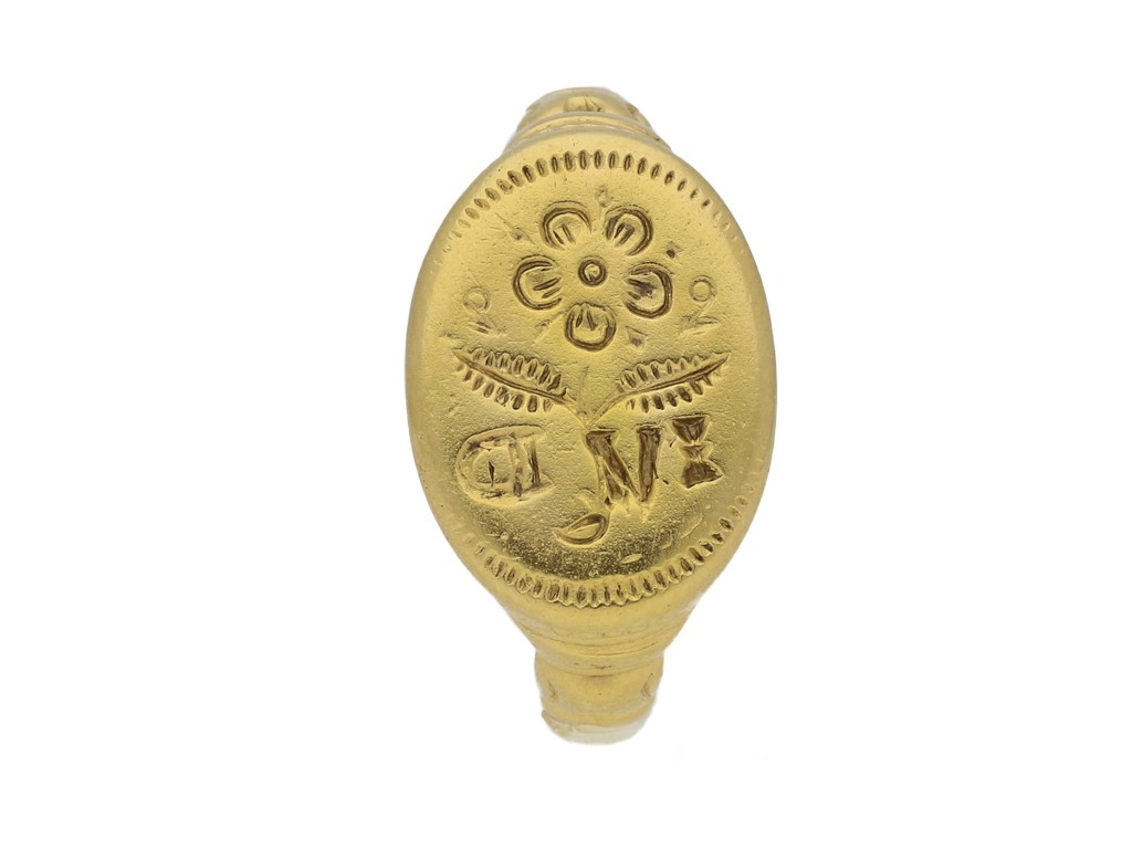 front view Jacobean gold signet ring, circa late 16th   early 17th century.