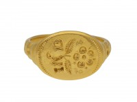 Jacobean gold signet ring berganza hatton garden
