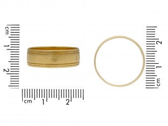 Wedding ring in 18ct yellow gold berganza hatton garden