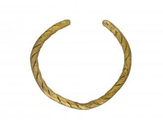 Viking gold penannular ring berganza hatton garden