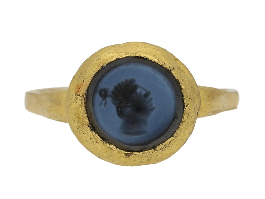 front view ancient Sasanian gold ring berganza hatton garden