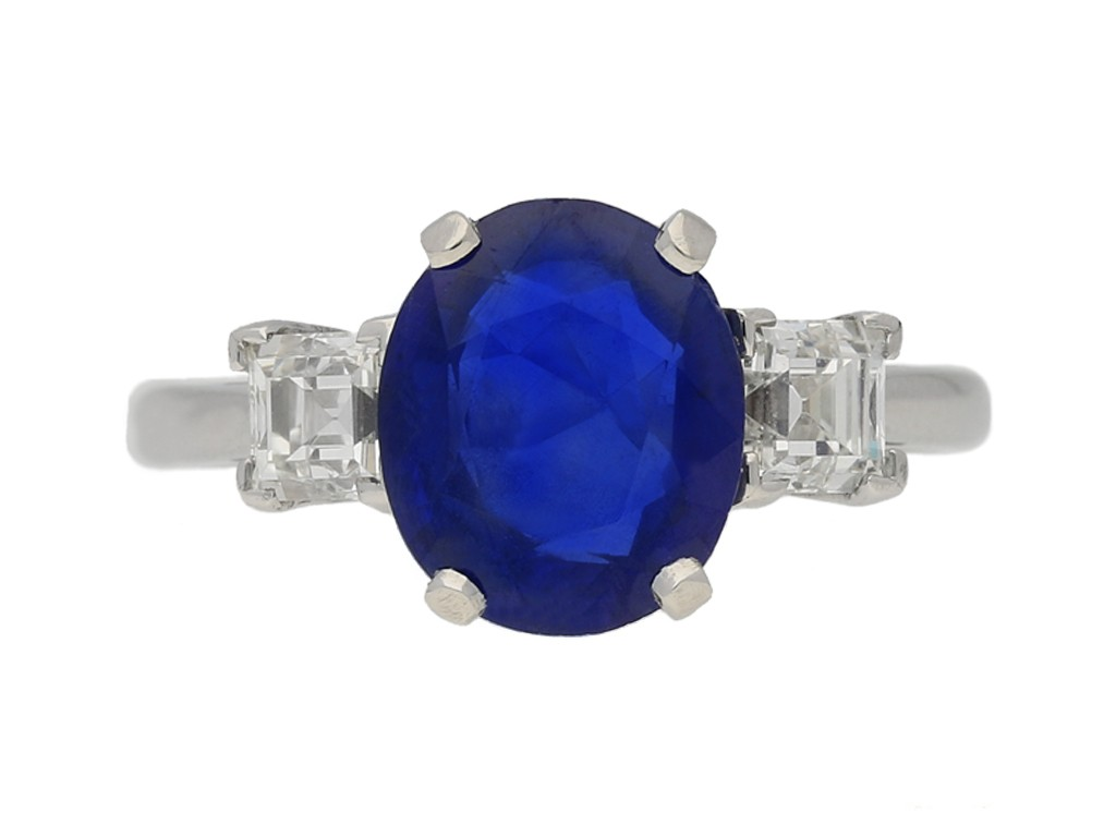 front view Vintage Burmese sapphire diamond ring berganza hatton garden