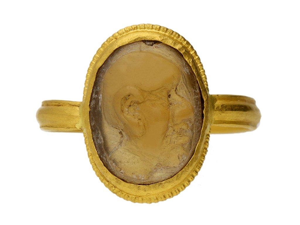 Ancient Roman cameo ring, circa 3rd 4th century AD. berganza hatton garden