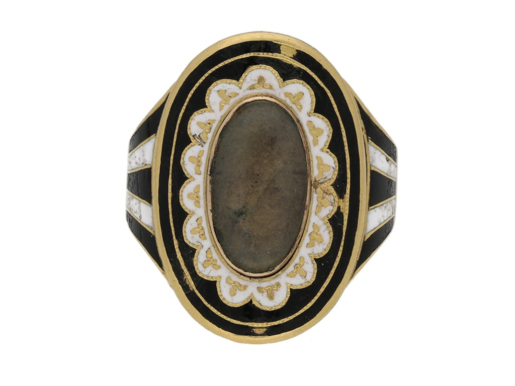 antique Enamelled memorial ring berganza hatton garden