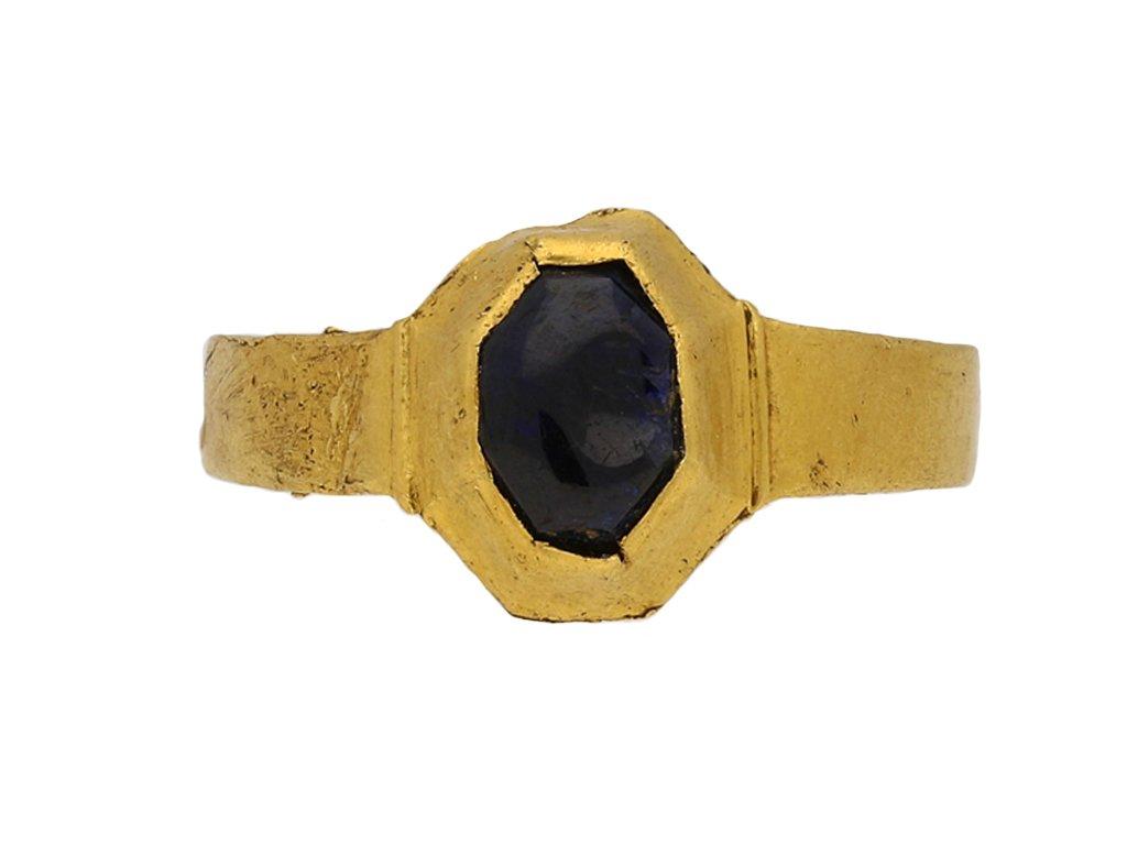 Medieval sapphire gold ring hatton garden berganza