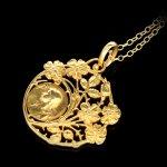 De Vernon Art Nouveau gold pendant, circa 1890.
