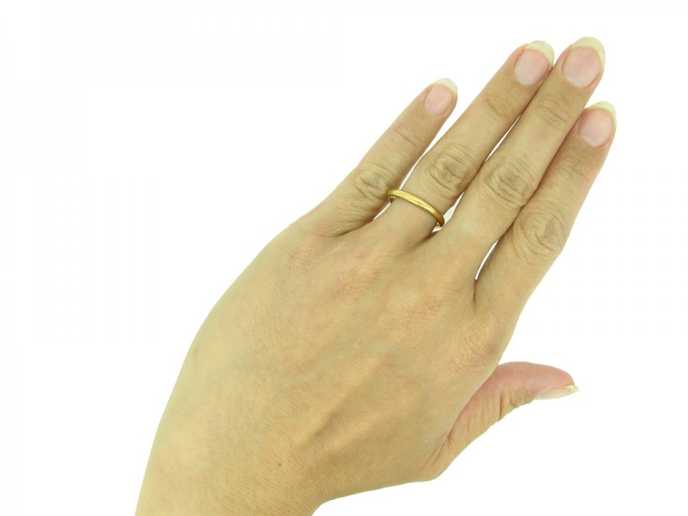 22 carat yellow gold wedding band berganza hatton garden