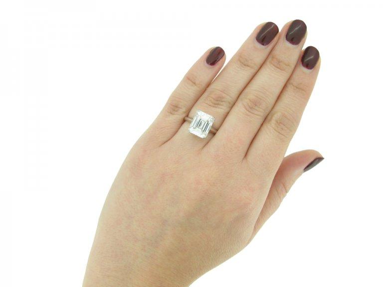 Emerald cut diamond solitaire diamond ring berganza hatton garden