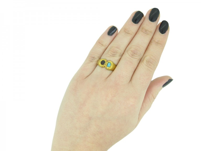 Medieval garnet and turquoise finger ring berganza hatton garden
