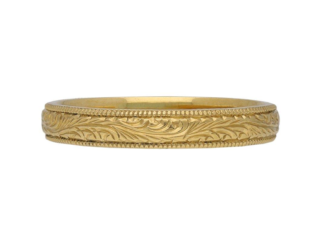 yellow gold engraved band berganza hatton garden