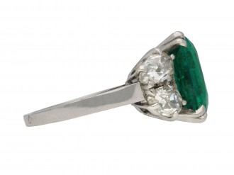 Boucheron Colombian emerald diamond ring berganza hatton garden