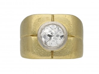 Diamond signet ring berganza hatton garden