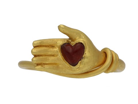 Post medieval garnet heart ring berganza hatton garden