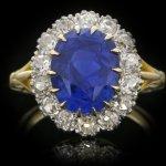 Edwardian Ceylon sapphire and diamond coronet cluster ring, English, circa 1915.