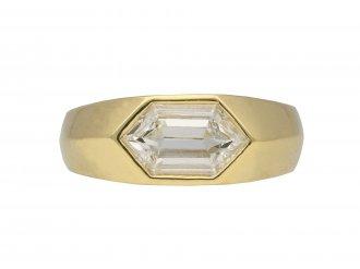 Hexagonal diamond solitaire ring berganza hatton garden