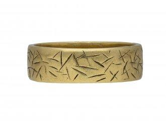 engraved gold wedding band  Andrew Grima berganza hatton garden