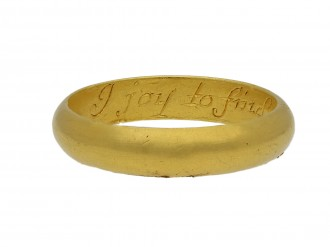 Gold posy ring 'I joy to find a constant mind berganza hatton garden