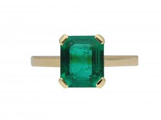 Vintage Colombian emerald solitaire ring berganza hatton garden