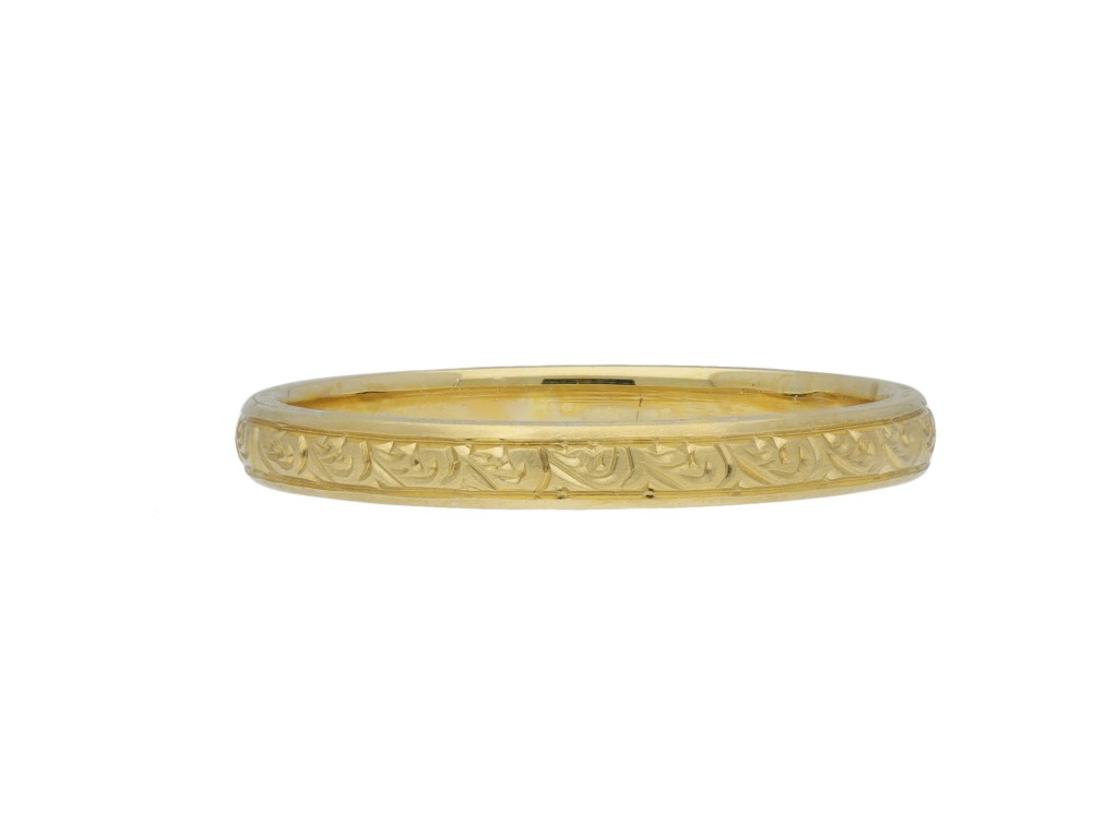 Vintage engraved yellow gold wedding band berganza hatton garden
