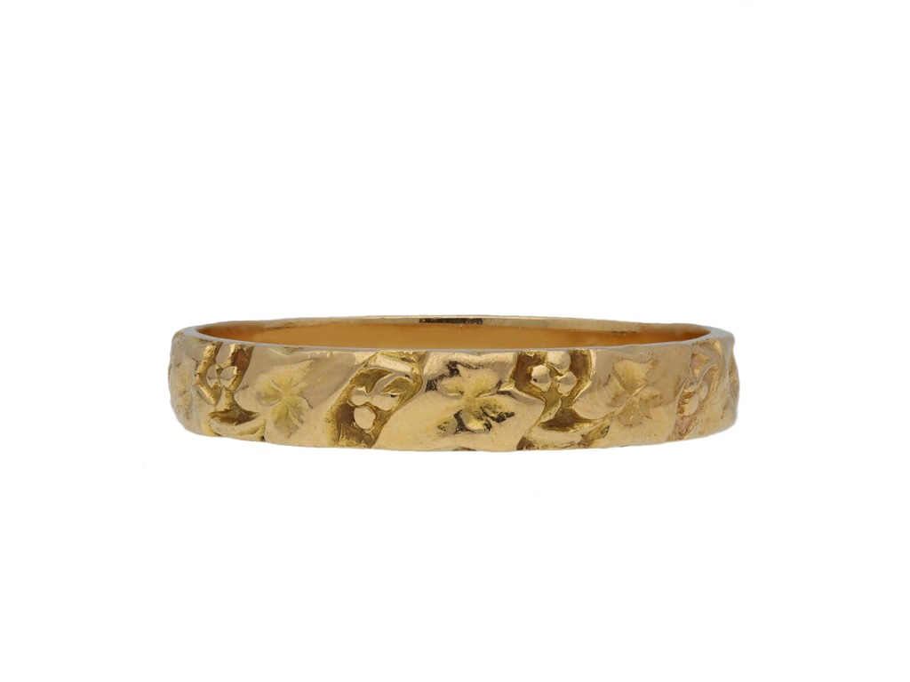 Belle Époque engraved wedding band berganza hatton garden