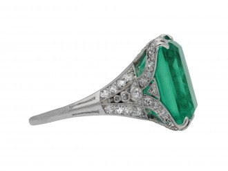 side profile of Colombian emerald and diamond ring