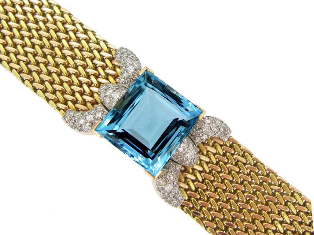 front view Aquamarine and diamond bracelet,