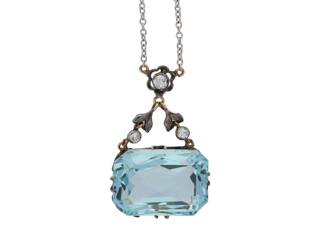Aquamarine and diamond pendant hatton garden
