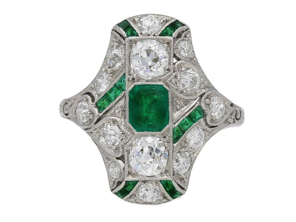 front veiw antique emerald diamond ring hatton garden berganza
