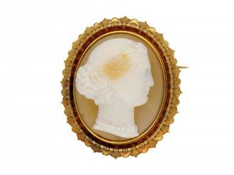 Victorian hardstone cameo brooch berganza hatton garden
