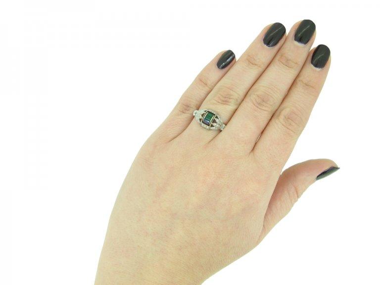Art Deco sapphire, emerald diamond ring berganza hatton garden