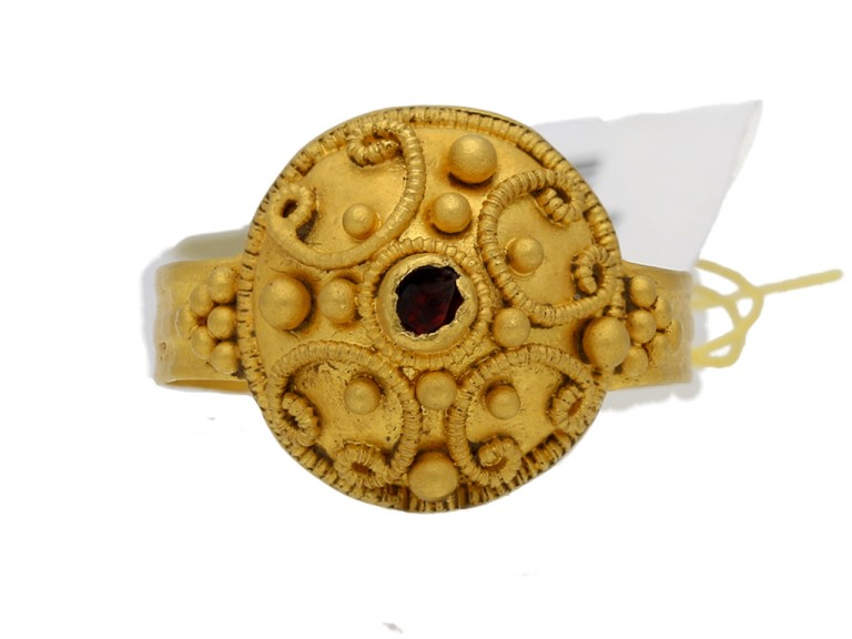 Ancient Roman ring with ornate gold work, circa 4th Century AD.