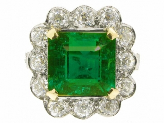 front-view-Antique emerald and diamond coronet cluster ring