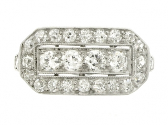 front-view-Kohn diamond cluster ring, American, circa 1915.