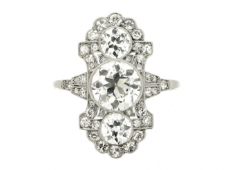 front-view-Ornate diamond ring, circa 1915.