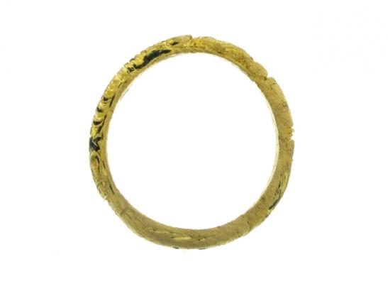 back-veiw-Gold and black enamel mourning ring, circa 1726.