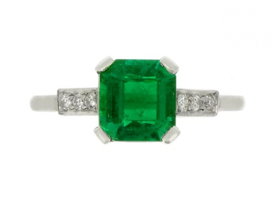 front-view-Art Deco emerald and diamond ring, circa 1930.