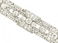 front-view-Exceptional diamond bracelet in platinum, circa 1920.