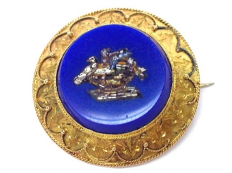 front-veiw-Mosaic brooch with a fine gold work,