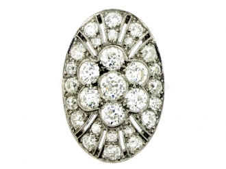 front-view-Oval diamond cluster ring, circa 1920.
