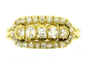 front-view-Wright & Son antique diamond cluster ring in gold, English, circa 1906.