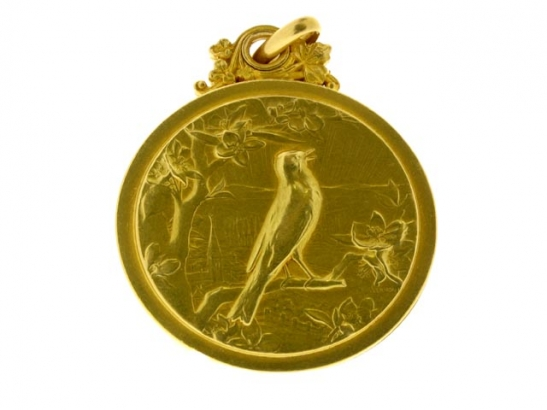 De Vernon Art Nouveau gold locket, Paris, 1895.