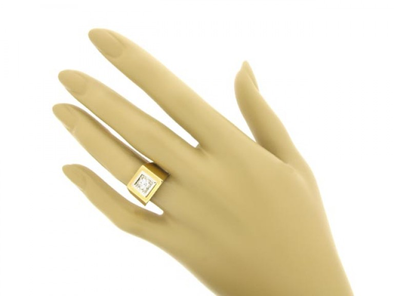 hand view Solitaire old cut diamond ring,