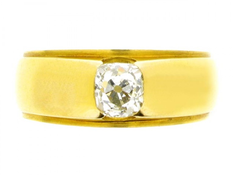 front view Cushion shaped old mine cut diamond ring,