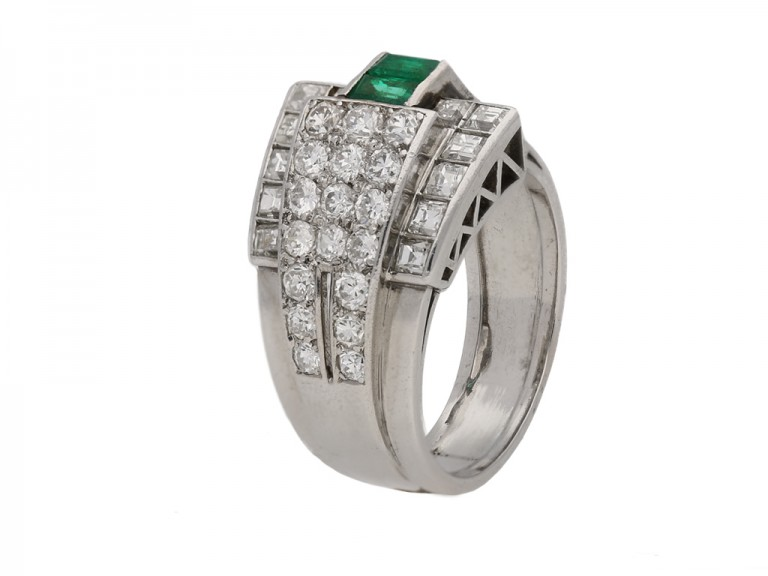 decorated with eight round single cut diamonds in closed back grain settings with a combined weight of 0.10 carats.