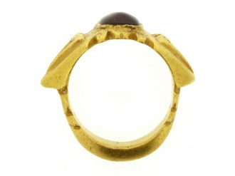 back view Ancient Roman Syrian garnet and gold ring, 3rd century AD.