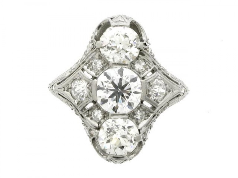 front view Belle Époque three stone diamond cluster ring, circa 1905.