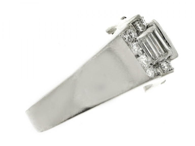 side view Art Deco diamond ring, French, circa 1935.